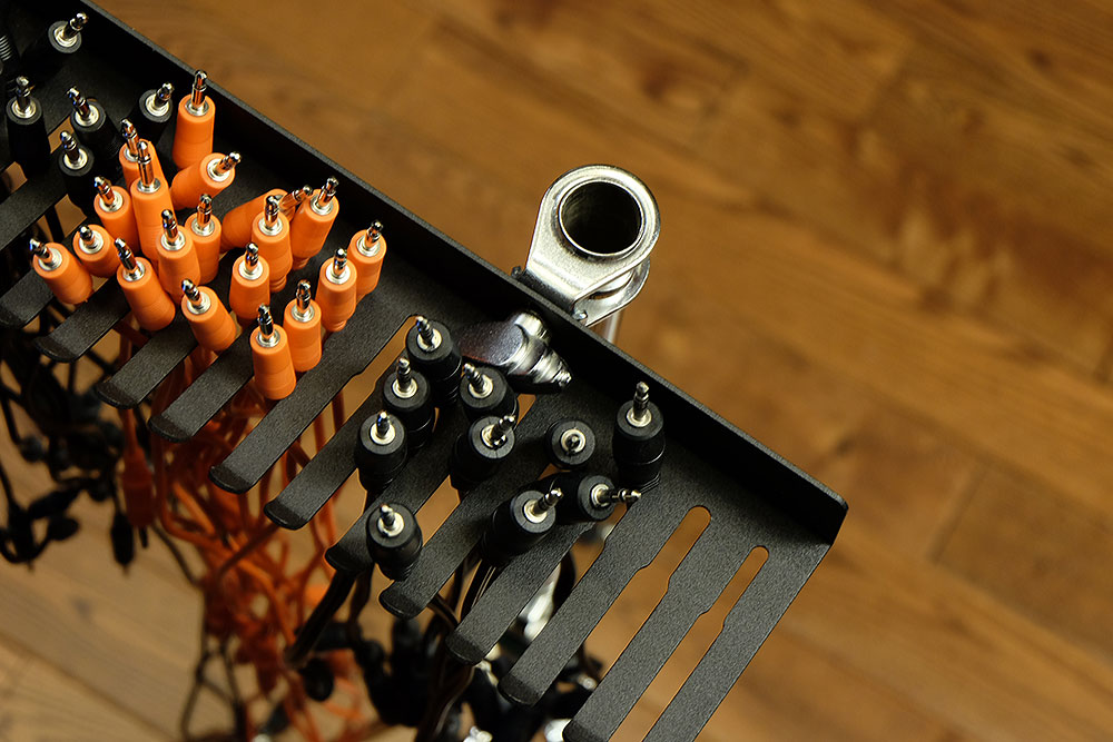 Simple diy eurorack modular synth patch cables holder - Tips